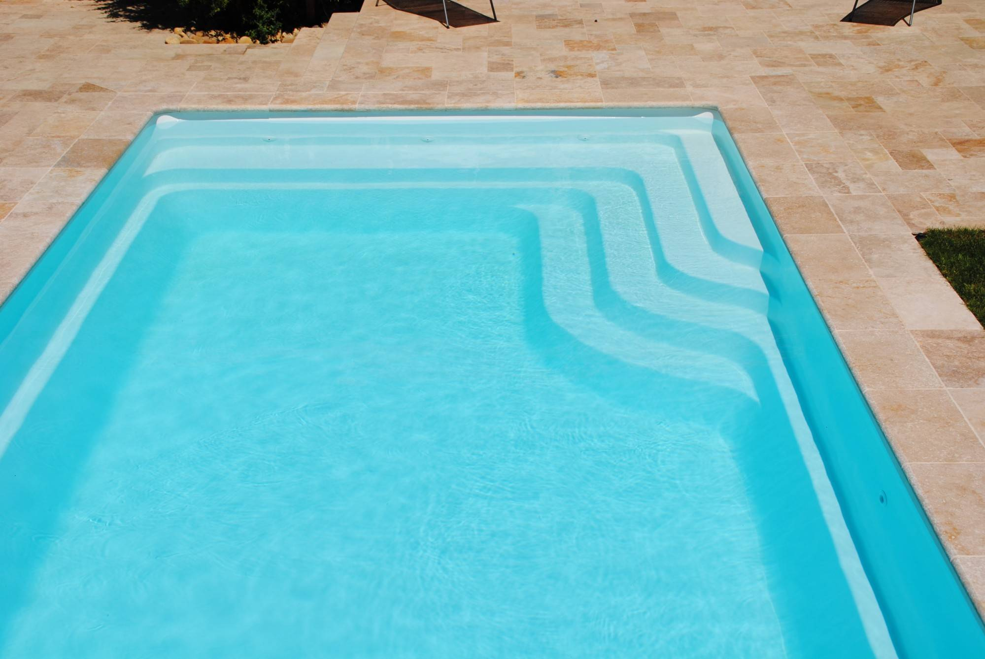 Vente et pose de piscine enterr e coque polyester for Piscine 10x4 prix