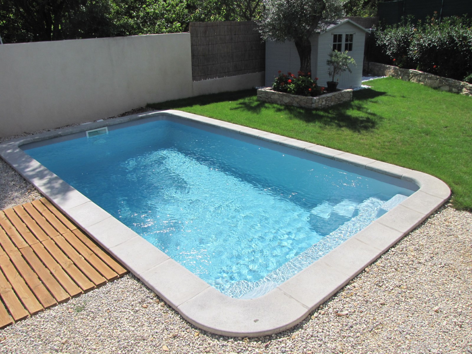 Piscine bahamas for Meilleur piscine coque polyester