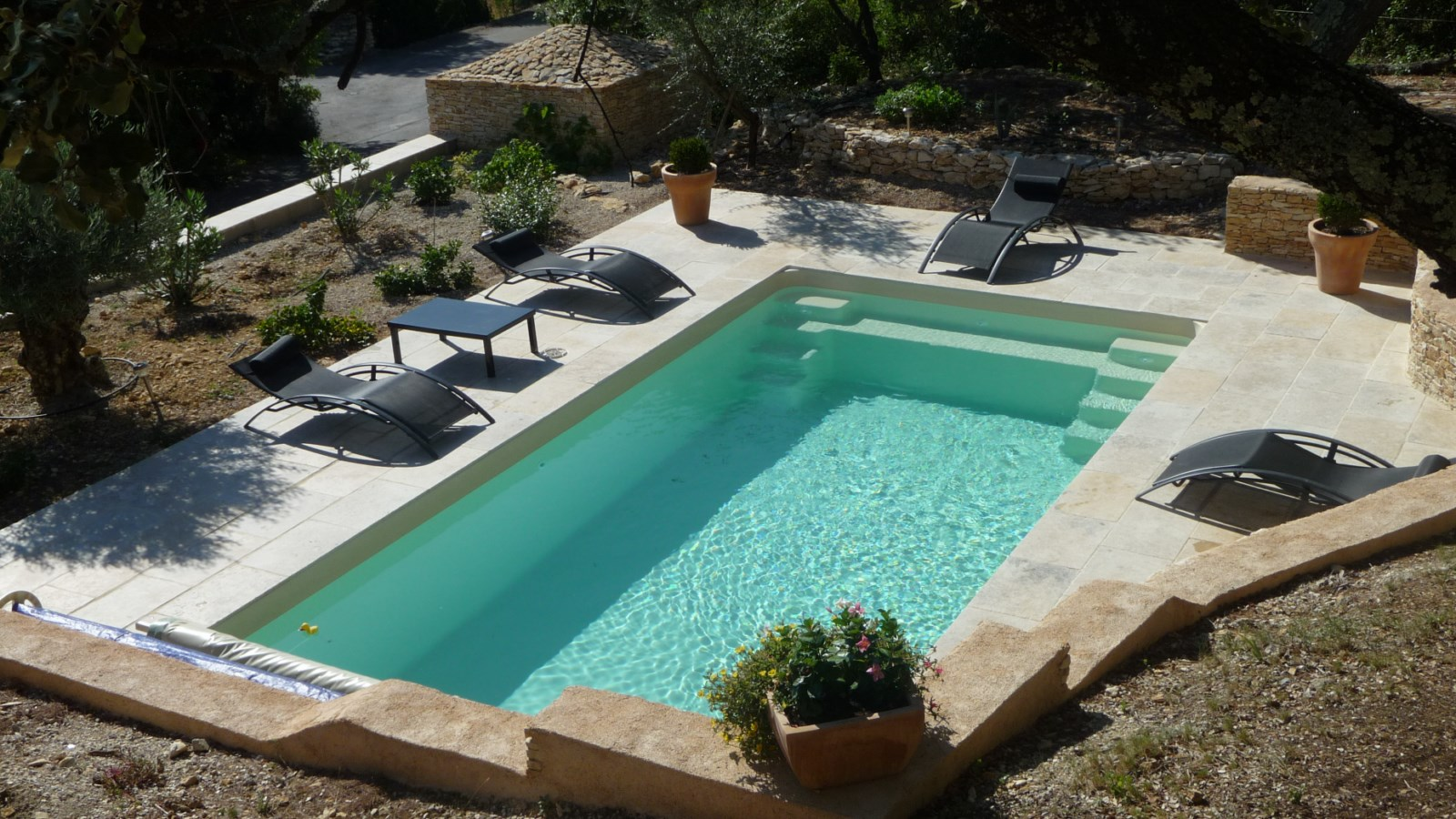Piscine rectangle polyester dans le Gard
