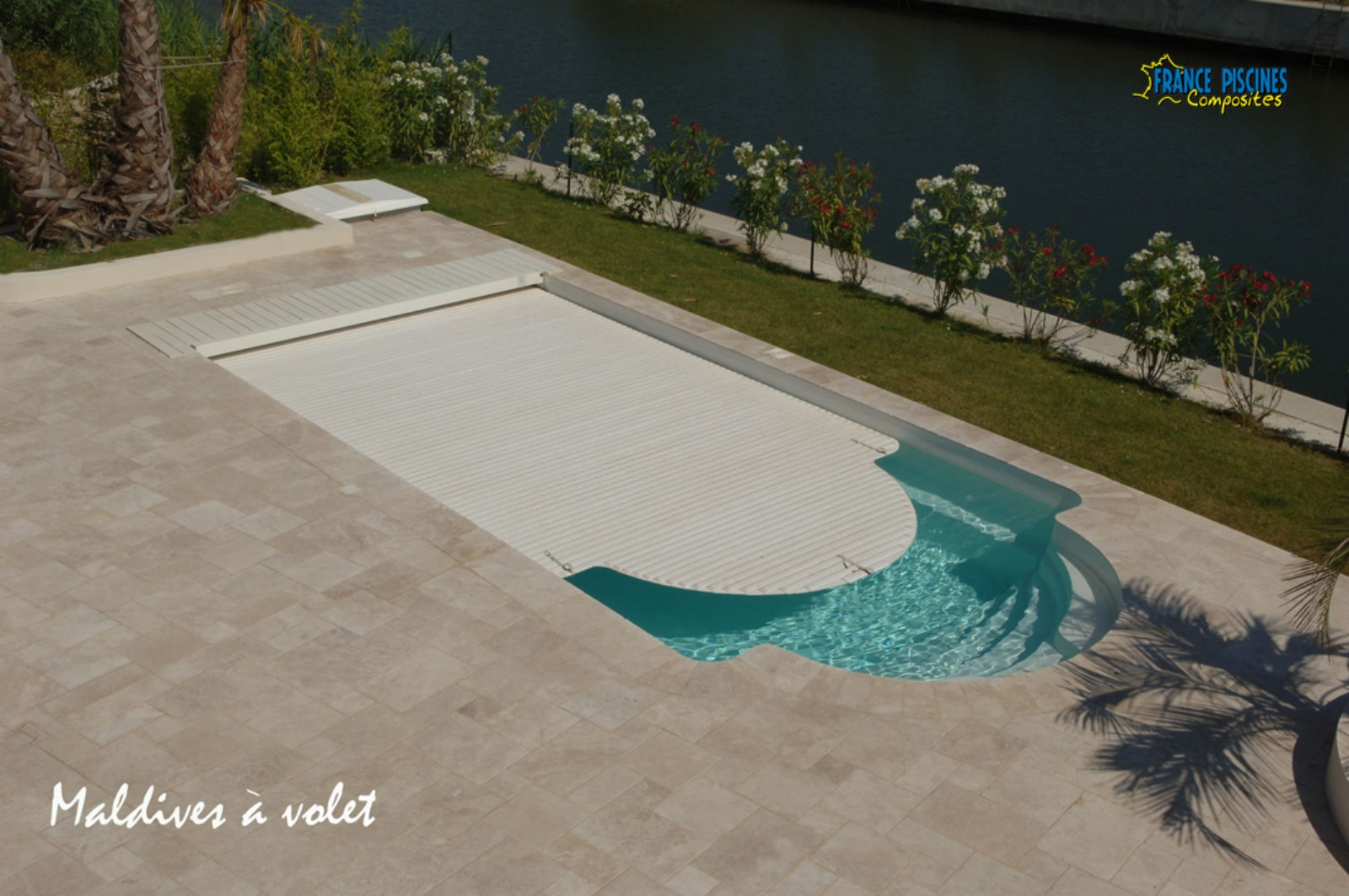 couverture automatique aqualux piscine coque