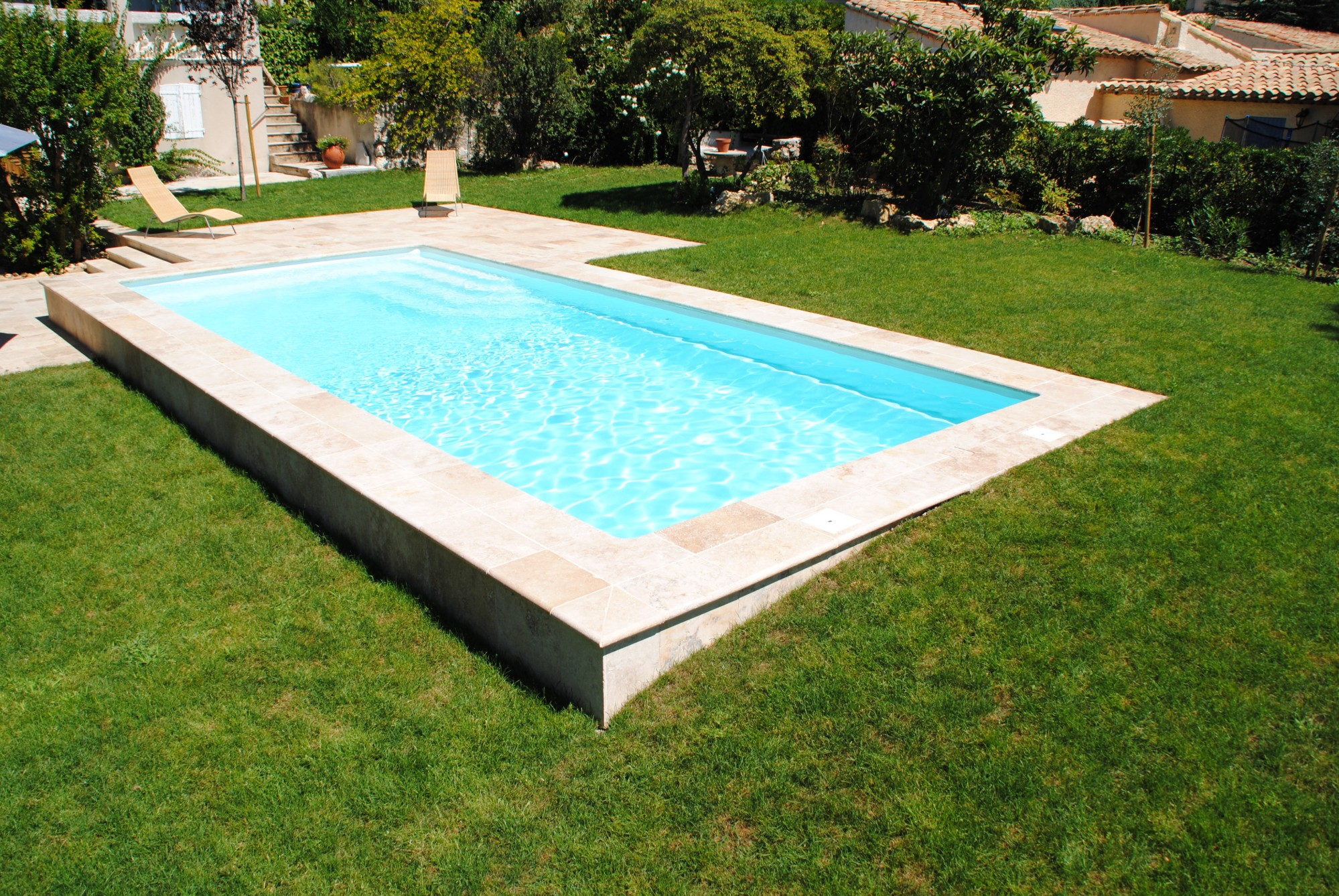 Piscine enterr e pas chere for Piscine coque polyester d exposition