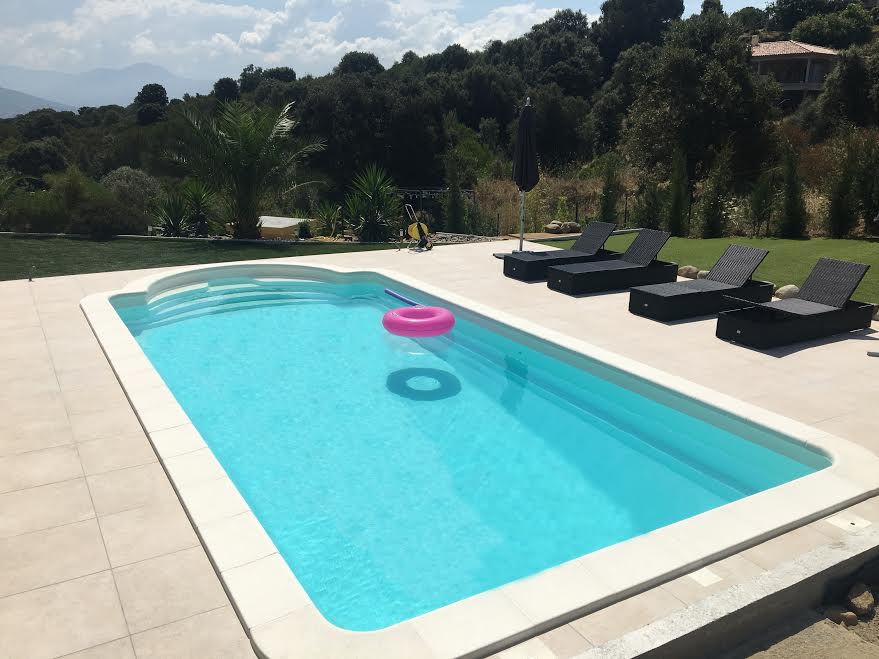prix piscine 8x4 awesome luxe piscine coque ou beton stock de piscine ides with prix piscine. Black Bedroom Furniture Sets. Home Design Ideas